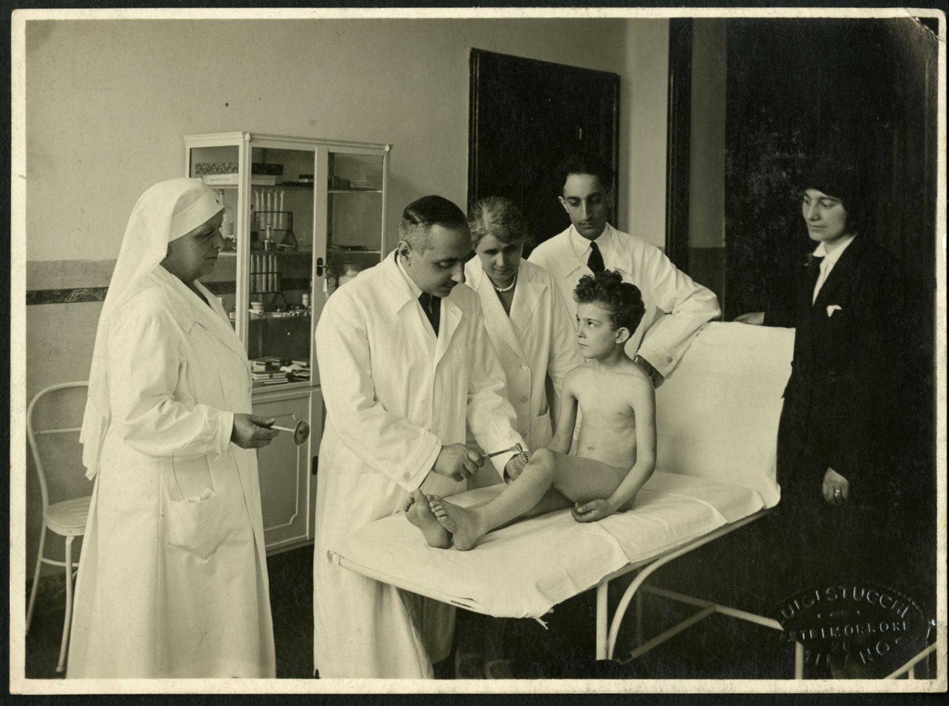 Alfredo Albertini alla Scuola Giulio Tarra, 1932